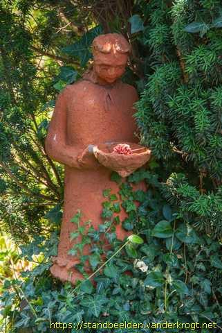 Groningen meisje - Terracotta sokkel ...