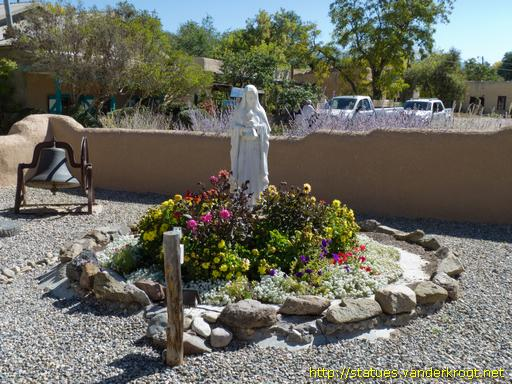 ranchos de taos single lesbian women Ranchos antiques, ranchos de taos: see 4 reviews, articles, and photos of ranchos antiques, ranked no7 on tripadvisor among 9 attractions in ranchos de taos.