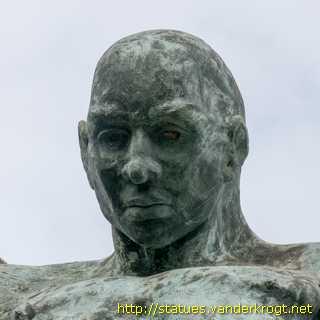Funchal - Anjo da Praça da Assicom